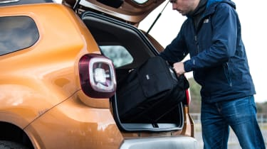 dacia duster boot