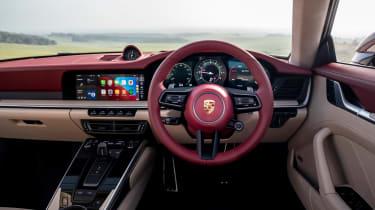 Porsche 911 Targa 4S Heritage Design Edition - dash
