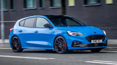 Ford Focus ST Edition - front cornering