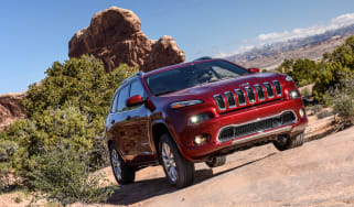 Jeep Cherokee Overland - front