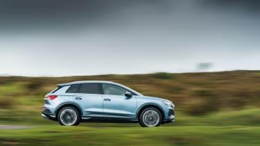 Audi Q4 e-tron 2021  side