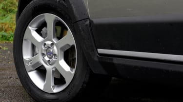 Volvo XC70 wheel