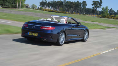 Convertible megatest - Mercedes S 500 Convertible - rear tracking