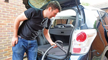 Toyota Verso - boot cleaning hoovering