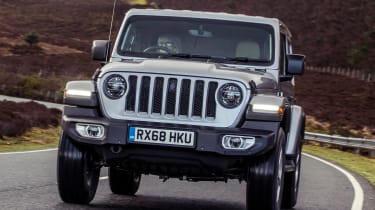 Jeep Wrangler  - front tracking