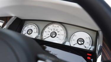 Convertible megatest - Rolls-Royce Dawn - dials