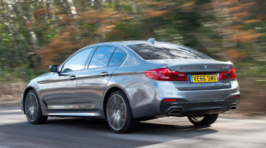 BMW 5 Series 2017 - 540i rear tracking