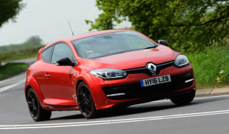 Renault Megane RS 275 Cup-S 2016 front cornering