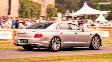 Bentley Flying Spur - side tracking
