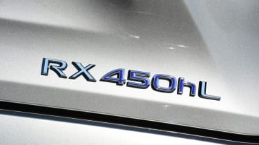 Lexus RX L - badge