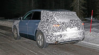 Volkswagen Touareg spy shot rear quarter