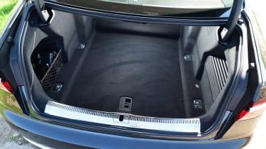 Audi A8 55 TFSI - boot