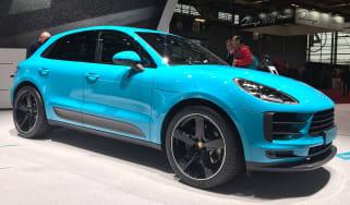 Porsche Macan 2019 front blue