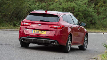 Kia Optima Sportswagon - rear cornering