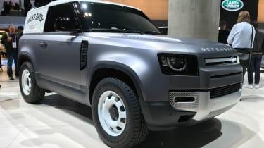 Land Rover Defender - Frankfurt front static