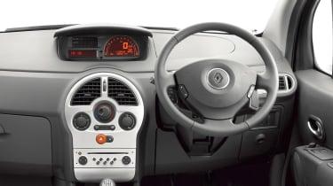 Renault Modus hatchback dash