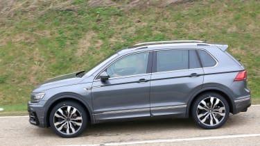 Volkswagen Tiguan R - spyshot 4