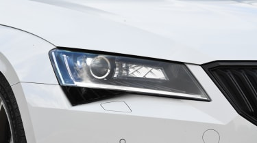 Skoda Superb - front light