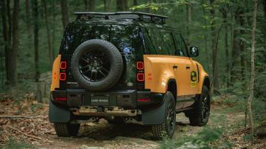 Land Rover Defender Camel Trophy Edition - rear