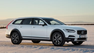 Volvo V90 Cross Country 2017 - front quarter