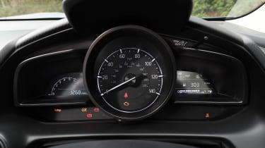 CX-3 - dials