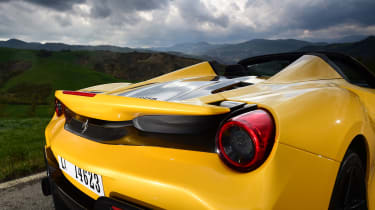 Ferrari 488 Pista Spider - rear lights