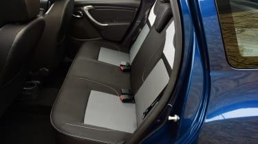 Dacia Duster automatic 2017 - rear seats