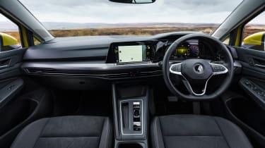 Volkswagen Golf eTSI drive - interior
