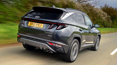 Hyundai Tucson Ultimate Hybrid - first report rear action