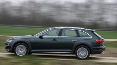 Audi A4 Allroad side moving