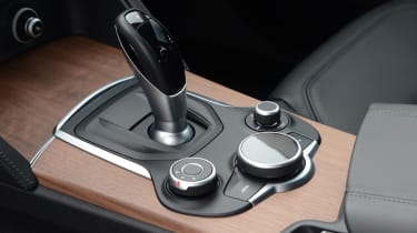 Alfa Romeo Stelvio - transmission