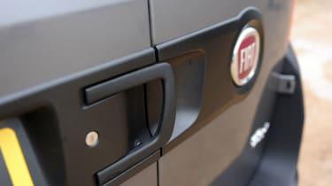 Fiat Doblo Cargo van 2015 - handles