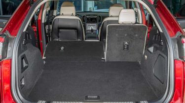 Ford Edge Titanium 2016 - boot seats down