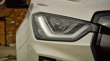 Isuzu D-Max 2021 - headlight