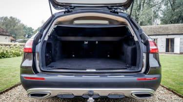 Mercedes E-Class All-Terrain - boot