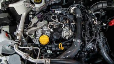 Nissan Qashqai 1.3 DiG-T - engine