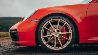Porsche 911 Carrera S - wheel