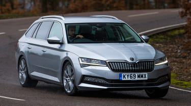 Skoda Superb iV Estate - front cornering