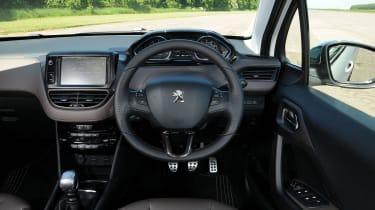 Peugeot 2008 1.6 e-HDi interior