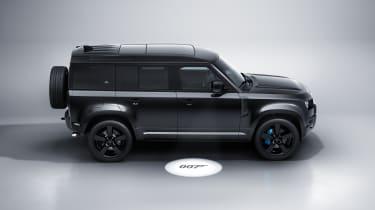 Land Rover Defender V8 Bond Edition - side