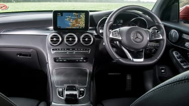 Mercedes GLC 250d Coupe - dash