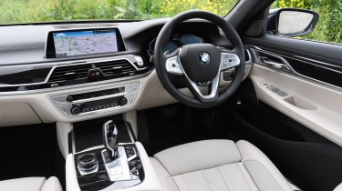 BMW 745Le xDrive - cabin