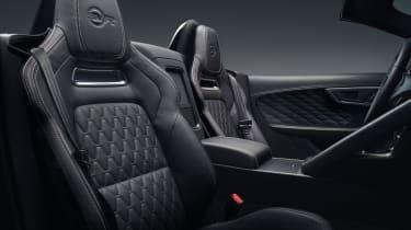 Jaguar F-Type MY2017 - SVR Convertible front seats