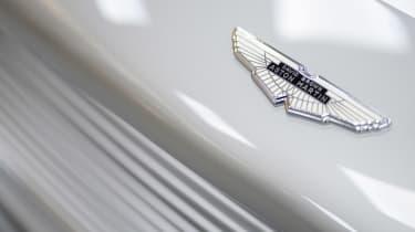 Aston Martin DB5 Continuation - badge