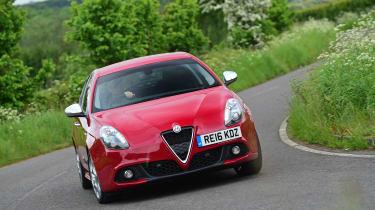 Alfa Romeo Giulietta 2016 facelifted - front cornering