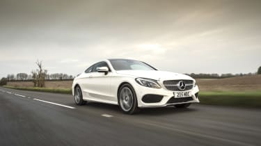 Mercedes C-Class Coupe - front panning