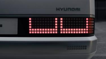 Hyundai Pony - light