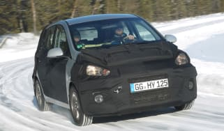 Hyundai i10 front cornering