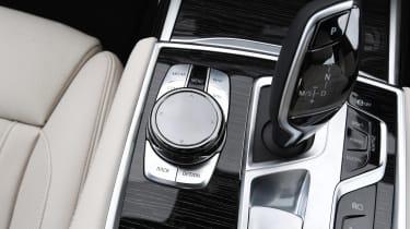 BMW 745Le xDrive - transmission