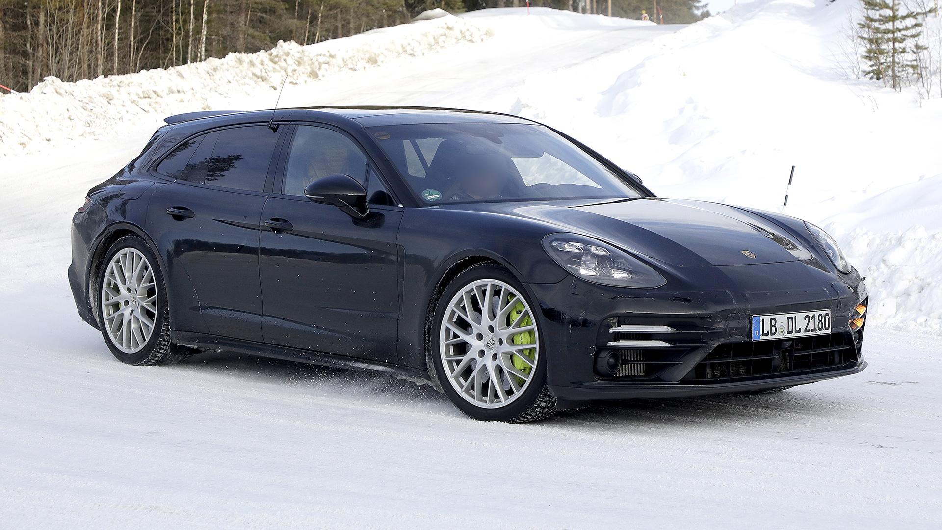 New 2020 Porsche Panamera Sport Turismo facelift spied
